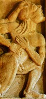 Particolare metopa raffigurante l'uccisione di Alcioneo per mano di Eracle. (Museo narrante di Hera Argiva)